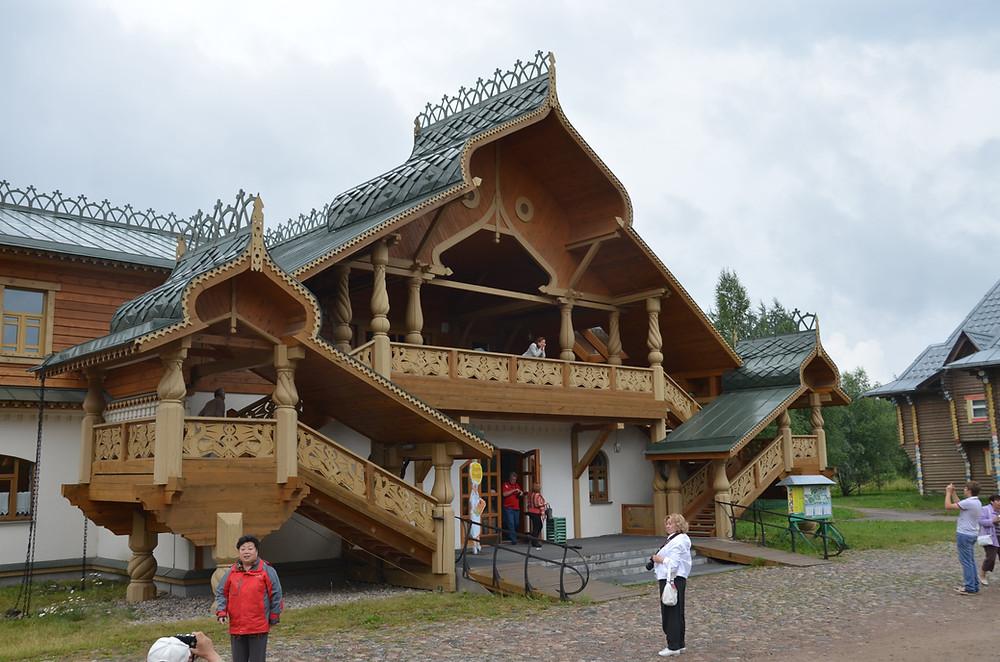 Russie, tourisme, croisière, maison villageoises russes