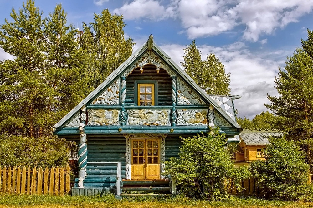 Russie, tourisme, croisière, Maison traditionnelle, ornée