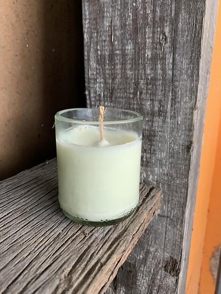 candle PB.HEIC