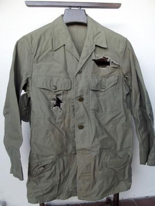 Réplique de veste de soldat de l'armée impériale japonaise durant la seconde guerre mondiale .  Réplique provenant du tournage de la série The Pacific .