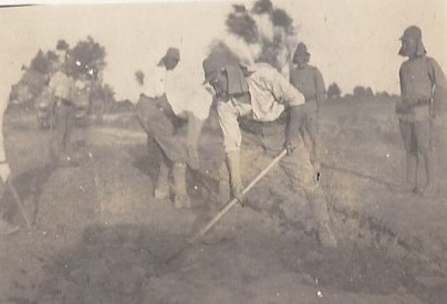 Photographie de soldats japonais durant la seconde guerre mondiale .