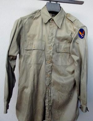 Chemise été en toile ayant appartenu a un officier de l'Us Army Air Force durant la seconde guerre mondiale