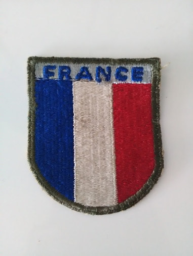 Ecusson FRANCE destiné à l'Armée Française de Libération , fabrication defectueuse d'usine