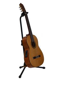 Guitarra de cedro electroacústica