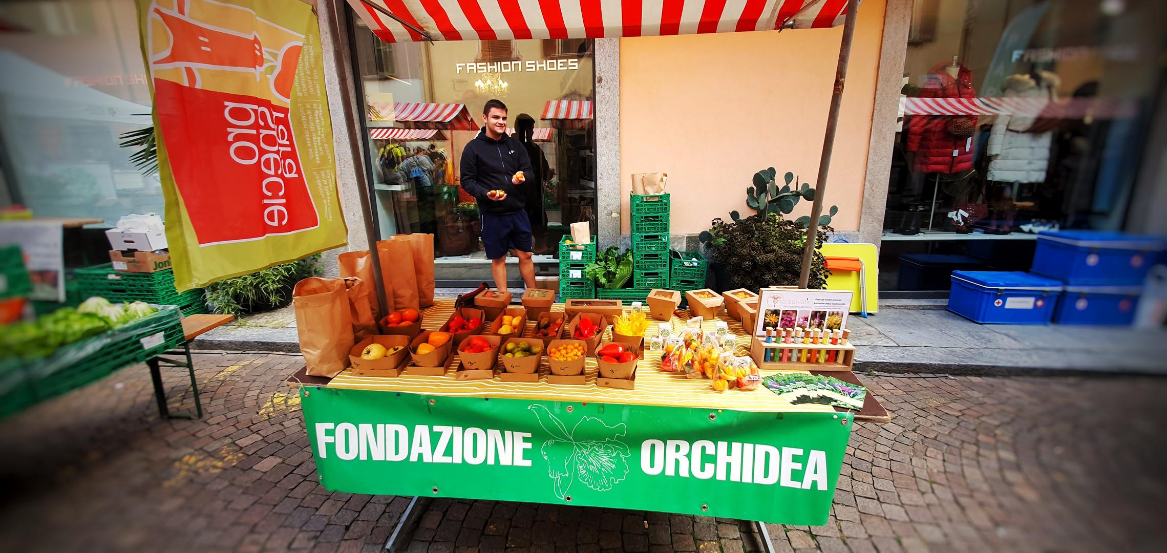 Mercato autunnale città vecchia Locarno