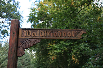 Conneforde, Waldfriedhof, Bestattungshaus Tapken & Söhne