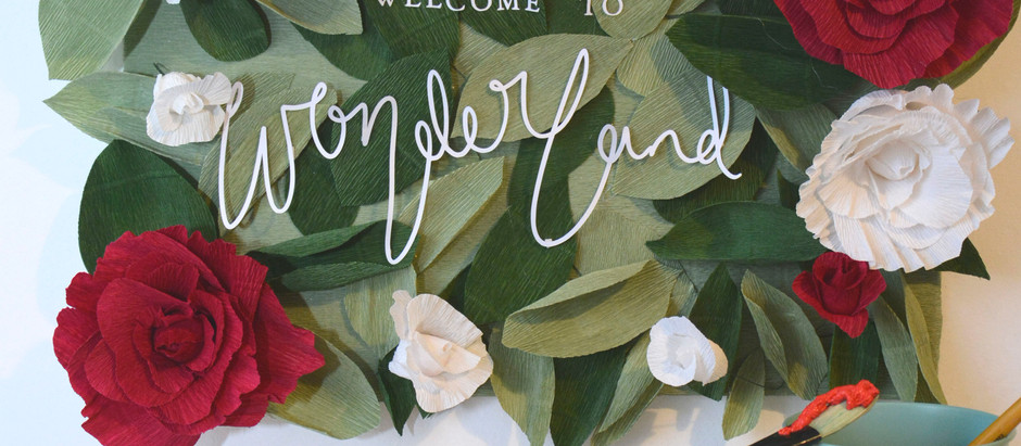 Cricut World Book Day Idea: Alice In Wonderland Rose Sign