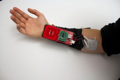 This New Wearable Tech Is Closing The Gap Between Humans And Cyborgs(CNBC)