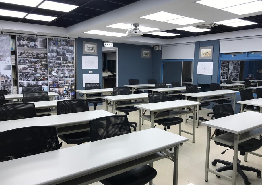 大教室-3