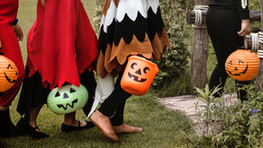 The simplest tips on teaching your little ones Halloween etiquette.