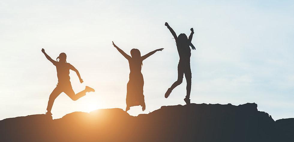 silhouette-of-people-happy-time.jpg