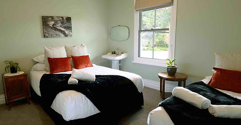 Accommodation in Puhoi Pub and Hotel New Zealand