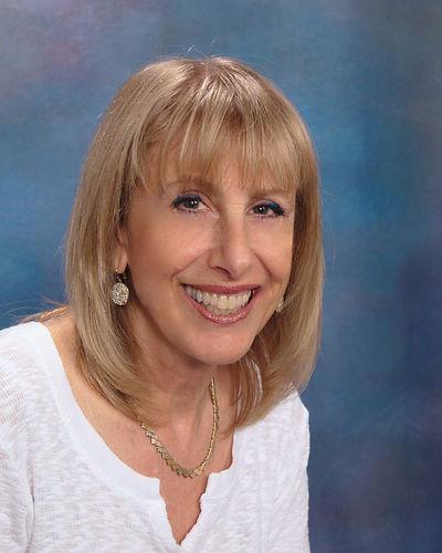 Ekster-Carol's professional photo for bo