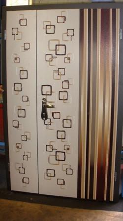דלת כנף וחצי