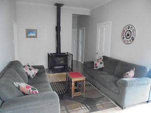 Makakahi Accommodation 10 lounge.jpg