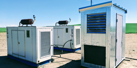 8'x4' Hash Hut (double) fed by two V8 gensets