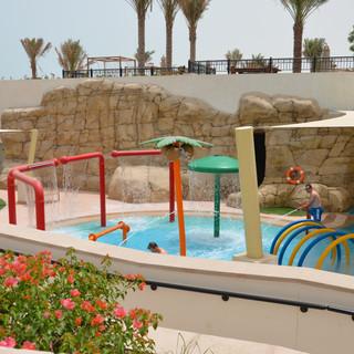 resort-swimming pool