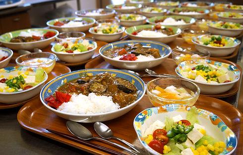 12:00~ 昼食(給食)