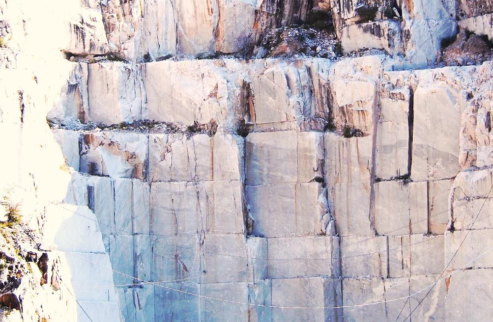 Carrara-White-Marble-Quarries