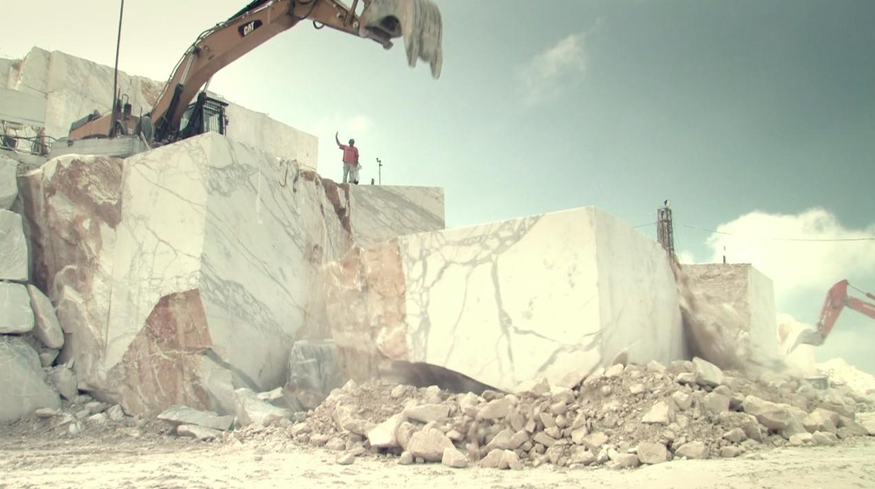 Statuary-Calacatta-Quarry