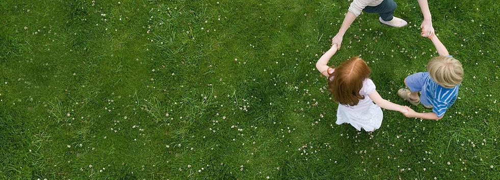 Tanz auf dem Gras