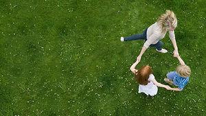 Danser sur l'herbe