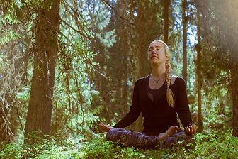 Metsäjooga_Forest yoga_Digitrail_by anna