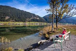 Herbstwandern am See - Stefan Valthe.jpg