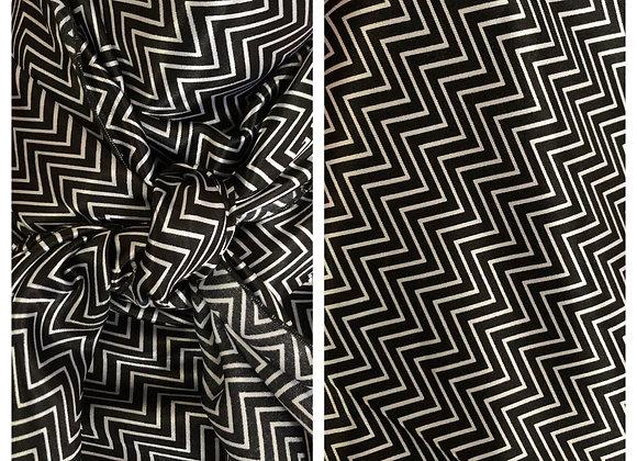 BLACK AND WHITE CHEVRON PRINT