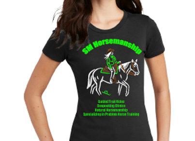 SM HORSEMANSHIP WOMENS TEE WITH LOGO