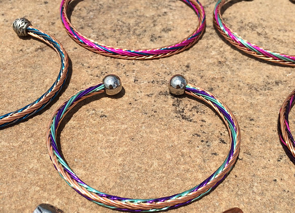 HAND BRAIDED WIRE BRACELET (3-Color alt and side)