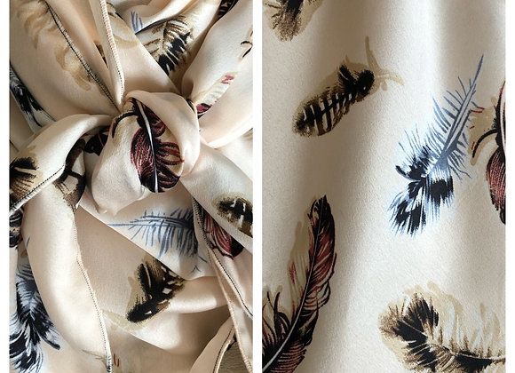 CREAM WITH SOFT FEATHERS PRINT