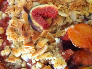 Crumble de figues et prunes