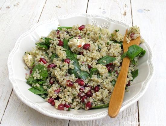 Salde-de-quinoa-grenade-et-pousses-dépinards