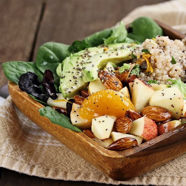 i124725-salade-detox-quinoa-avocat-et-pomme