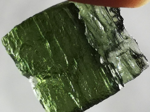MOLDOVITE - powerful energy from outer space 1.67-2.15g