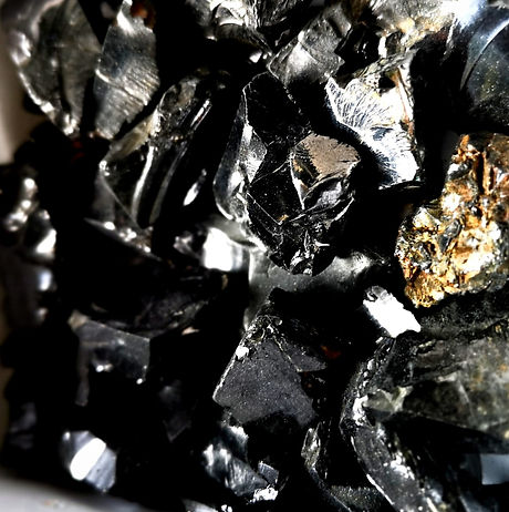 small%2520Elite%2520Shungite%2520chunks_