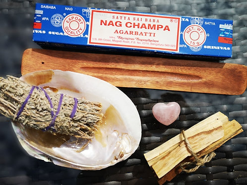 Smudge Starter Kit: Sage, Shell, Satya incense, Palo Santo+Rose Quartz +holder