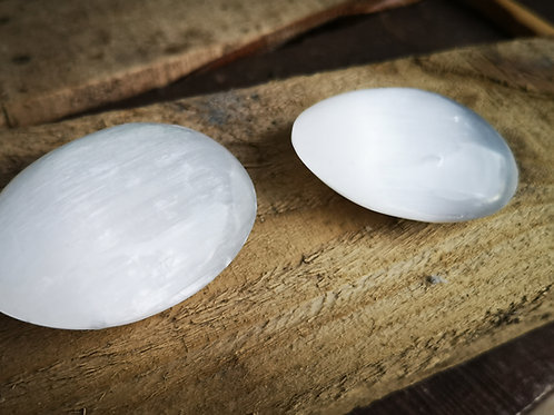 VERY LARGE Selenite Palm Stone - 80mm x 35mm(135gm)