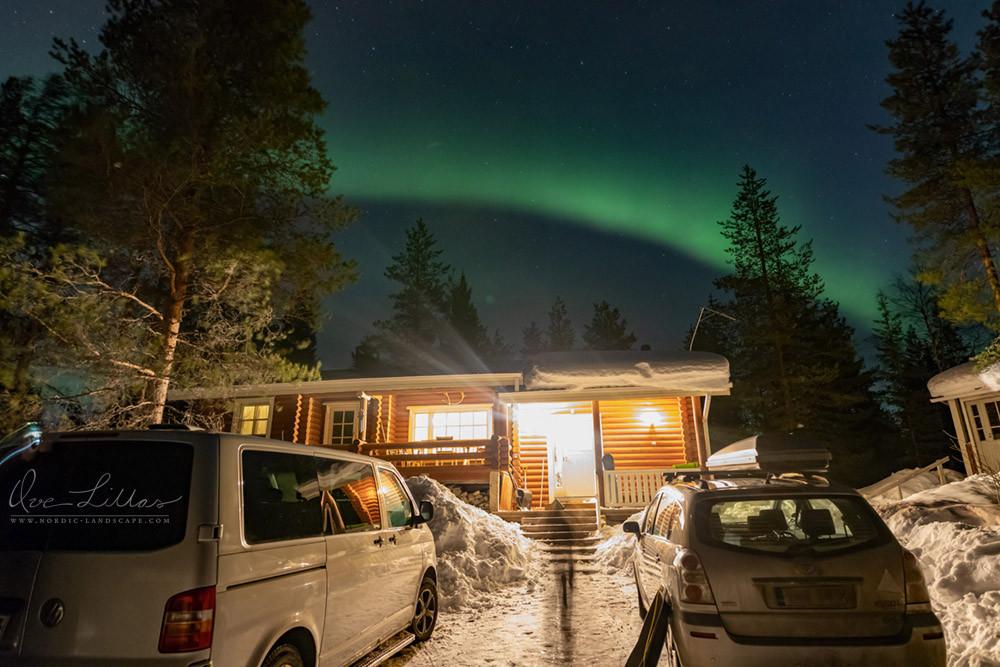 Cottage in Lapland under the Aurora Borealis