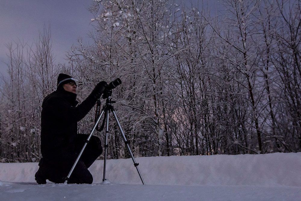 Ove Lillas taking photos of the lunar eclipse