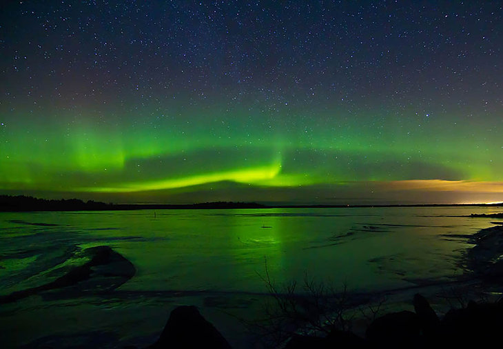 Northern-Lights-Aurora-Borealis-Landscap