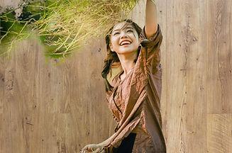 girl-4703641_1920_edited.jpg