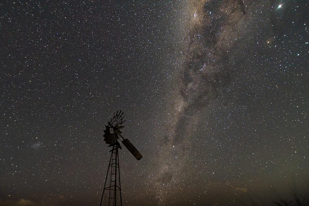 Biddaddaba Windmill (16mm, f/2.8, 15 sec, ISO 1250)