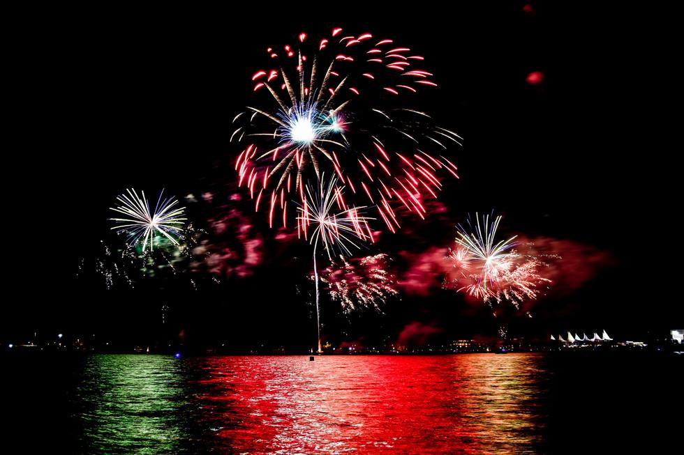 Fireworks on Broadwater