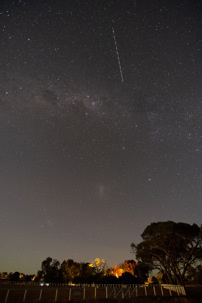 Yeoval, NSW. (11mm, f/2.8, 15 sec, ISO 3200)
