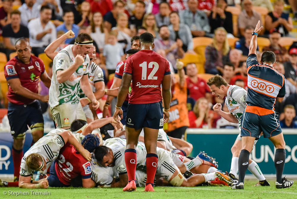 Chiefs score a late try to secure a bonus point