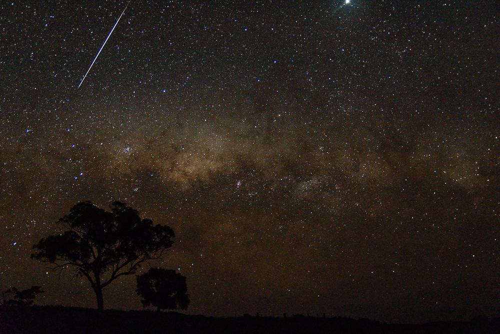 Yeoval Milky Way + Meteor