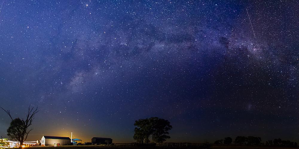Arthurville, NSW. (11mm, f/2.8, 13 sec, ISO 3200)