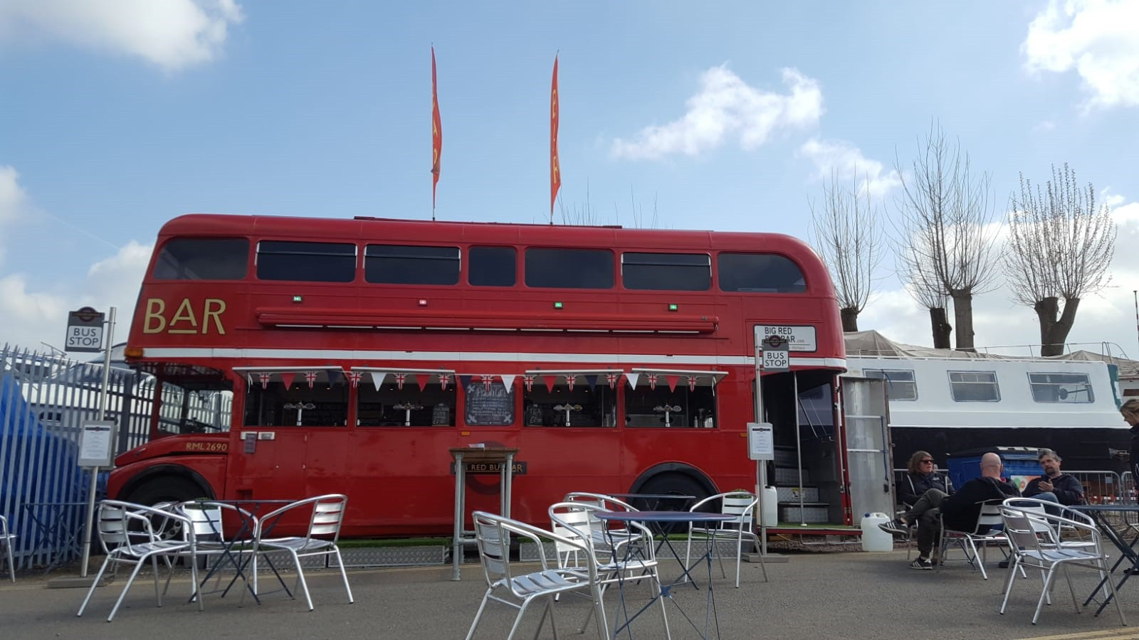BIG  RED BUS BAR.jpg